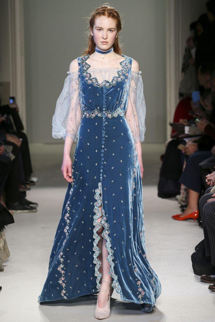 What I'd imagine Elizabeth Bennet wearing...Luisa Beccaria Fall 2016 Ready-to-Wear Fashion Show