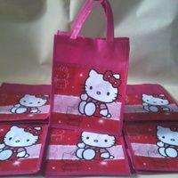 Tas Souvenir Ulang Tahun Spunbond Hello kitty