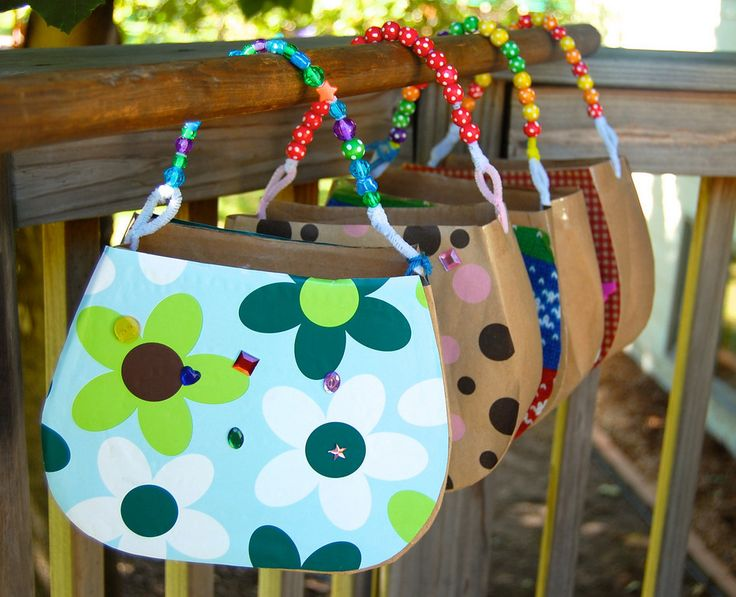 "DIY ""handbag"" craft for kids: Wrapping paper, cardboard, beads."