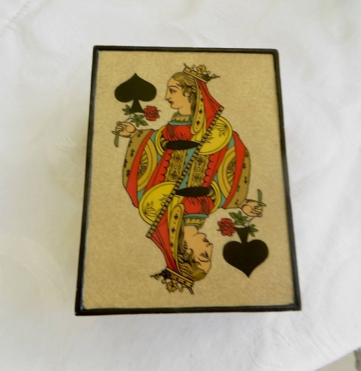 Queen of Spades Enamel Box, Vintage Playing Card Box, King of Hearts, Metal Card Holder #vintagehome #vintage