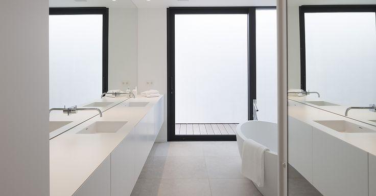 Werkbladen Keuken Corian : Corian projecten :: badkamers :: burelen :: hotels :: keukens