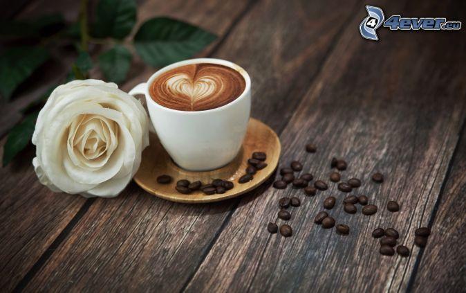 Tasse Kaffee, Weiße Rose, Kaffeebohnen, Herz, latte art