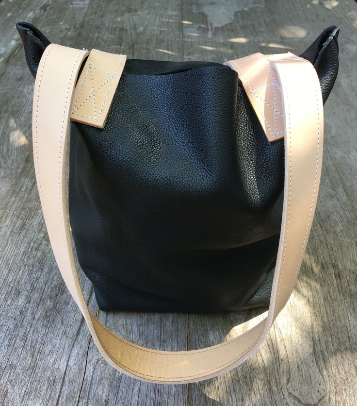Little Lara @129 online, soft Italian leather with Sabbia straps.