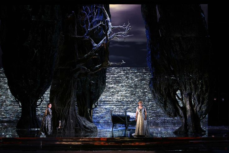 Tristan und Isolde from Teatro San Carlo. Production by Lluís Pasqual. Sets by Ezio Frigerio.