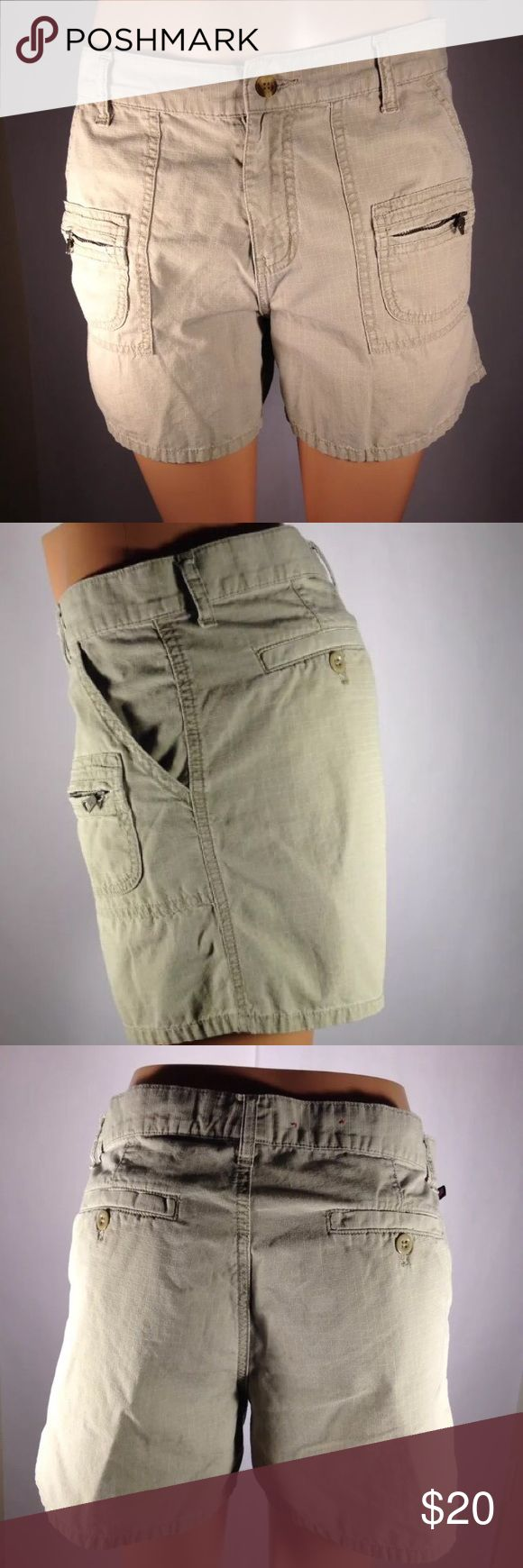 """Polo Jean Co Women Shorts Size 10 Beige Polo Jeans Company RL Women Shorts Size 10 Beige Casual  100% Cotton  Waist 17.5""""  Rise 11""""  Hips 20""""  Inseam 6""""  Check out my store for other great finds Polo Jeans Company Shorts"""
