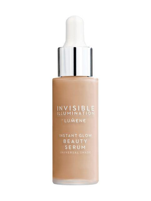 Seerumin luonnollisen pehmeä, neutraali sävy antaa ihon oman sävyn kuultaa läpi. Seerumin sävy on universaali, ja sopii useimmille ihonsävyille. Ohuen koostumuksensa ansiosta Sävyseerumia voi myös kerrostaa hieman peittävämmän lopputuloksen aikaansaamiseksi. Koe Invisible Illumination – täysin uudenlainen pohjoismainen kauneusrituaali, joka yhdistää ihonhoidon ja meikkien parhaat ominaisuudet ennennäkemättömällä tavalla.