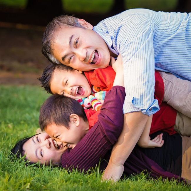 50 photo shoot ideas for families to try this weekend!