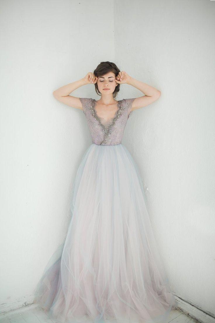 stunning non-white wedding dresses