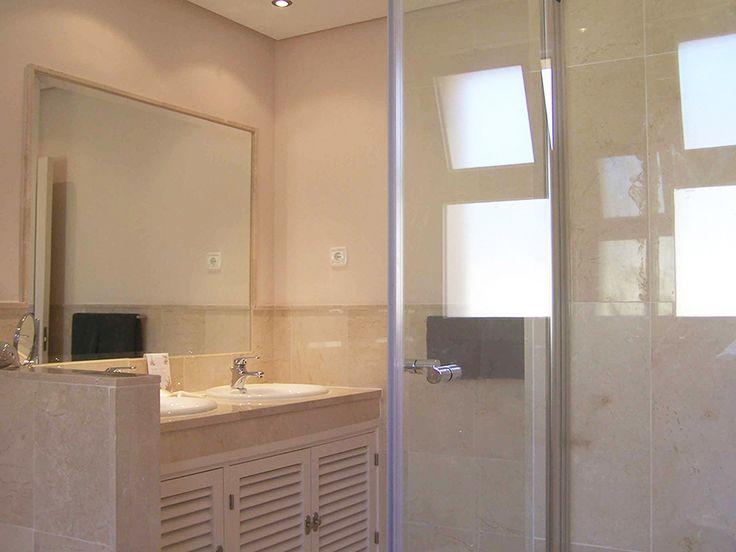 Grote badkamer dubbele wastafel