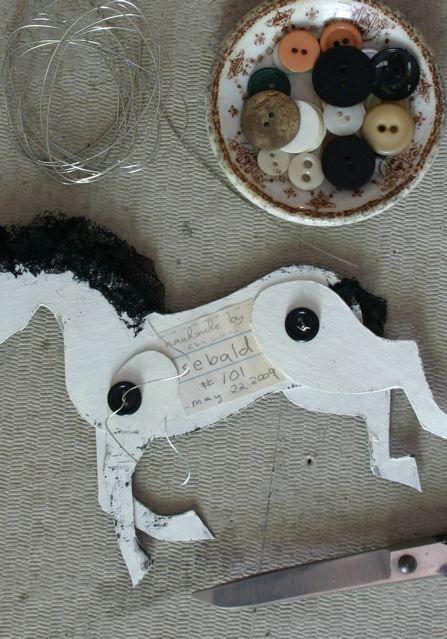 How to make a cardboard horse