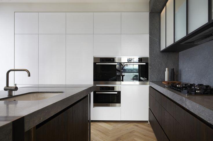 Houten visgraat vloer in de keuken | Australian Interior Design Awards