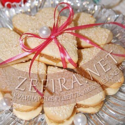 Песочное печенье с джемом в виде сердечек-домашние рецепты с фото