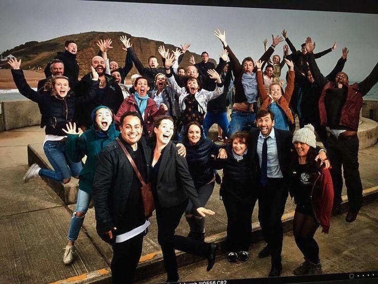 "Gefällt 32 Mal, 1 Kommentare - David Tennant Pics (@david.tennant.pics) auf Instagram: ""Broadchurch Cast and crew #DavidTennant #OliviaColman #Broadchurch #series3 #Cast #Crew…"""