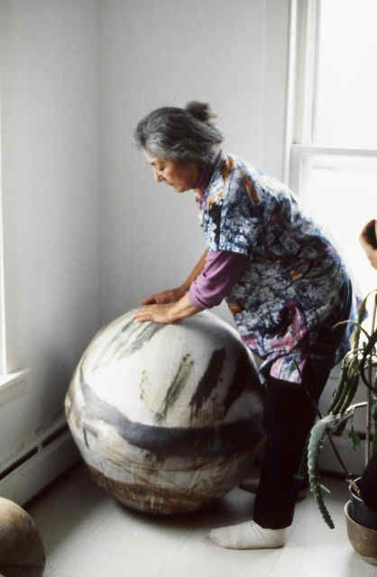 Hawaiian-born Takaezu is undoubtedly one of the best modern ceramic artists alive, having taught at The Cleveland Institute of Art, Princeton University, etc… good places. Her work invokes a humility from deep within the human spirit, that demands our deepest attention and silence.