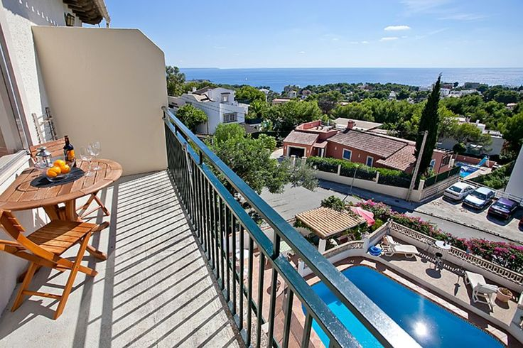 Portals Nous/ Puerto Portals, Southwest: Penthouse with views over Portals Nous and the sea