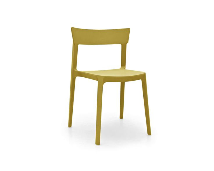 Hip Furniture   SKIN CHAIR   The Classic Shape Of This Chair Constructed  With Modern Polypropylene