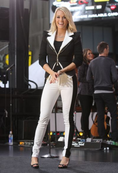 Pin Carrie Underwood Feet And Leg