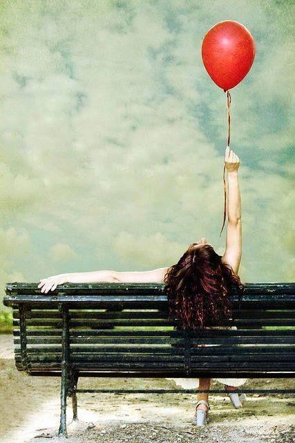 """ღ══════ღೋƸ̵̡Ӝ̵̨̄Ʒღೋ══════ღ """"Se posso me adornar com a alegria, não é a tristeza que eu vou tecer. Que hoje e sempre, seja mais um belo dia!""""  ______________Marla de Queiroz"""