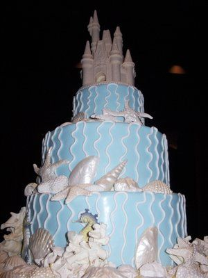 mixture of sea theme and a fairytale sand caste...does it get any better!?!?!?!??!!?