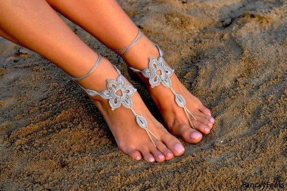 En la playa, en casa, en la fiesta de bodas, en clase de yoga o en clase de baile con estas sandalias pies Descalzas será original y moderno. Por favor no dude en contactar para preguntas y peticiones. Que puedo hacer descuento en compras a granel. Póngase en contacto conmigo sobre él. Visite mi tienda aquí: https://www.etsy.com/shop/FancyyFeets