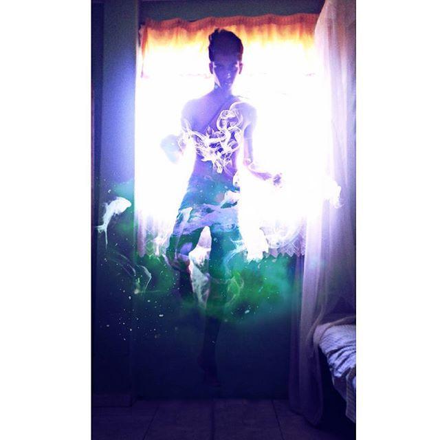 """Torna-se quem tu és"" ✨ .  #tumblr #fotografia #photo #tambler #tumblavel #man #instaboy #instalike #instaartist #juniorpokety #artistic #picsart #design #modelo #witches #magic #mago #magincins #feiticeiro #magica #power #hp #witcher #Bruxo  #design #model #top #fotografo #telecinese #levitation #levitação"