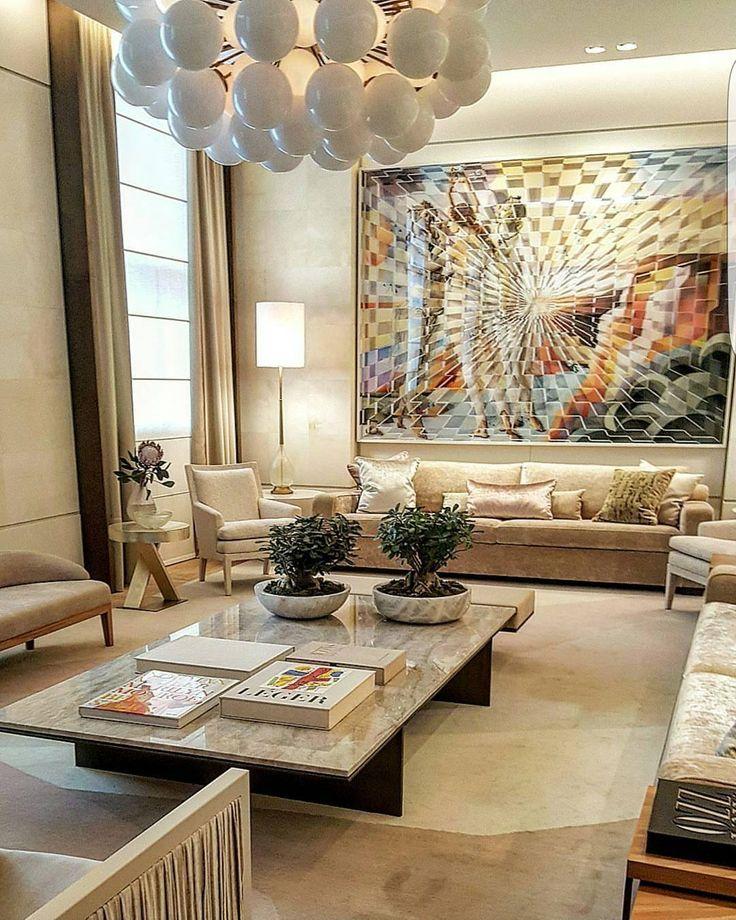 Ambiente luxuoso de Roberto Migotto na Casa Cor São Paulo 2016 com paredes revestidas de pergaminho e mobiliário em tons neutros destacando o quadro lindooooo ao fundo.   @decorandoacasaeavida  #decor #casacor #love