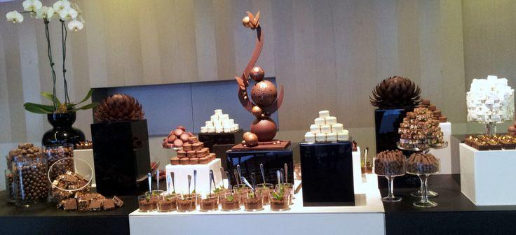 Wedding Dessert Bar feature flowers and sculpture by Sisko Chocolate