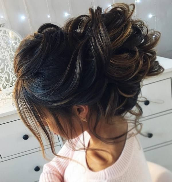 The 25+ best Messy curly bun ideas on Pinterest