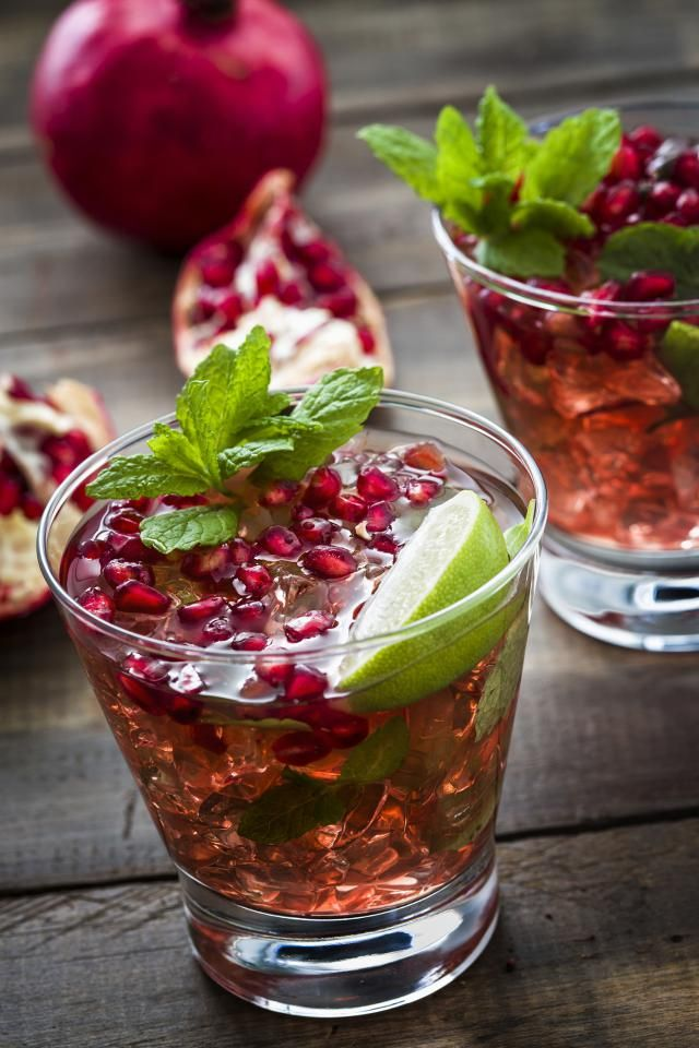 A Taste of Holiday Freshness with this Non-Alcoholic Pomegranate Mojito