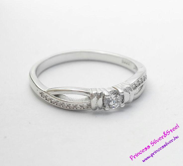 Átfutó csillogás- ezüst gyűrű, cirkónia kristályokkal. Részletek: www.princessilver.hu
