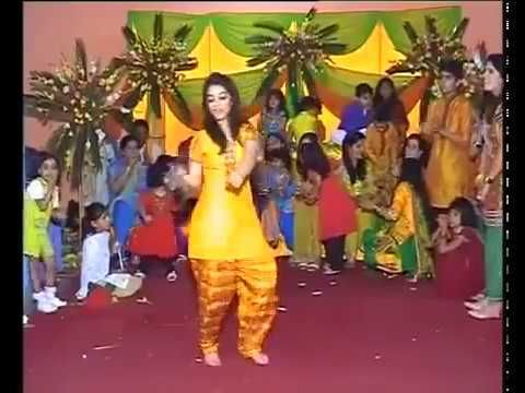 Hot Collage Girl Dancing at Marriage on Bollywood Song