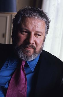 Sir Peter Ustinov (1921-2004) Actor, writer, director, spoke many languages, knew something about everything. Brilliant and fascinating. Spartacus. Topkapi. Emperor Nero.
