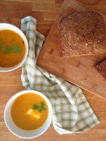 Een lekker recept voor gele paprikasoep, niet moeilijk en ontzettend lekker.