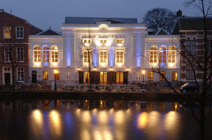 Stage lopen in de Leidse Schouwburg ... en verliefd worden op de toneelmeester ...