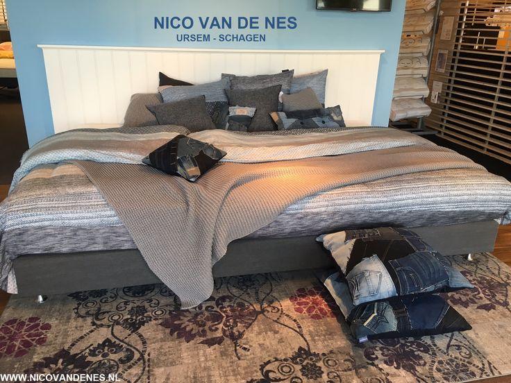 Een extra groot bed, een familiebed! Heerlijk met de kinderen op zondagochtend en lekker veel ruimte 's nachts! bij NICO VAN DE NES www.nicovandenes.nl  #grootbed #familiebed #boxspring