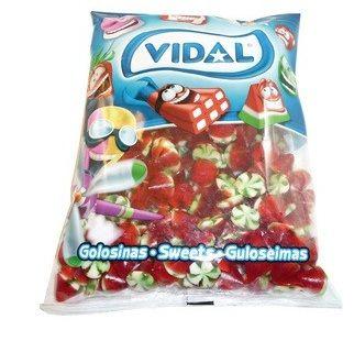 A 1kg bag of Vidal Strawberry Twist lollies.