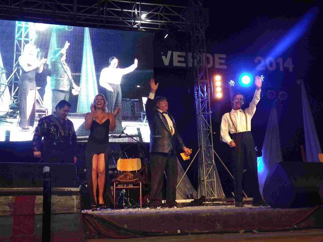 """Empedrado prepara """"Festival Oro Verde 2018"""" -  La Ilustre Municipalidad de Empedrado invita participar en la trigésima versión del Festival Oro Verde 2018 a efectuarse el viernes 16 y sábado 17 de febrero en la medialuna de Empedrado.  Artistas invitados : Megapuesta El Clavel Banda Río Claro Fusión Humor El Duelo Pincheiras del Sur Rancheros de Paso Quila y Los mil amores de la cumbia.  Valor de las entradas : $3.000. Platea numerada $2.000 platea simple $1.000 galería"""