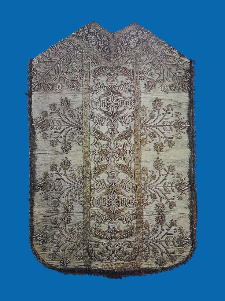 Gold cloth chasuble offered by Queen Constance of Austria to the Jasna Góra Monastery by Anonymous from Poland, 1620s, Skarbiec Paulinów na Jasnej Górze