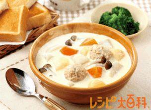 鶏つくねだんご レシピ|朝から満足!鶏だんごと野菜のミルクコンソメスープ|レシピ大百科