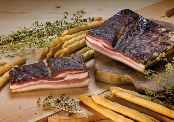 Pancetta tesa affumicata. Scopri e gusta tutti gli altri salumi in vendita solo su: www.demarca.it