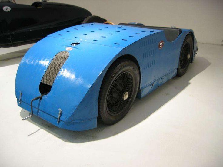 All Bugatti Models: List of Bugatti Cars & Vehicles (15 Items)