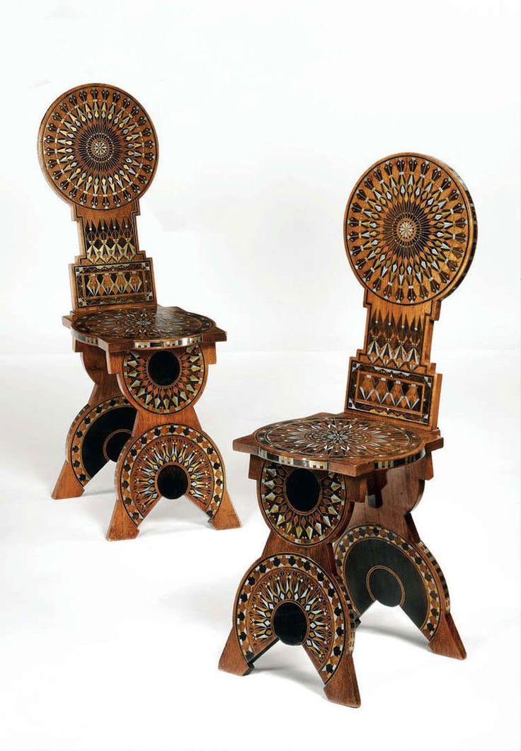 Два стула со спинками из серии неоготичекой мебели Карло Бугатти