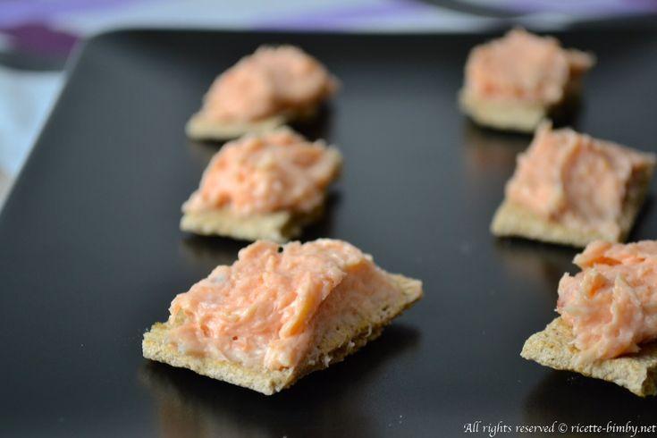 La mousse di salmone bimby è una crema veloce e golosa, perfetta da servire su fette di pane di segale. Perfetta come antipasto o da servire come aperitivo.