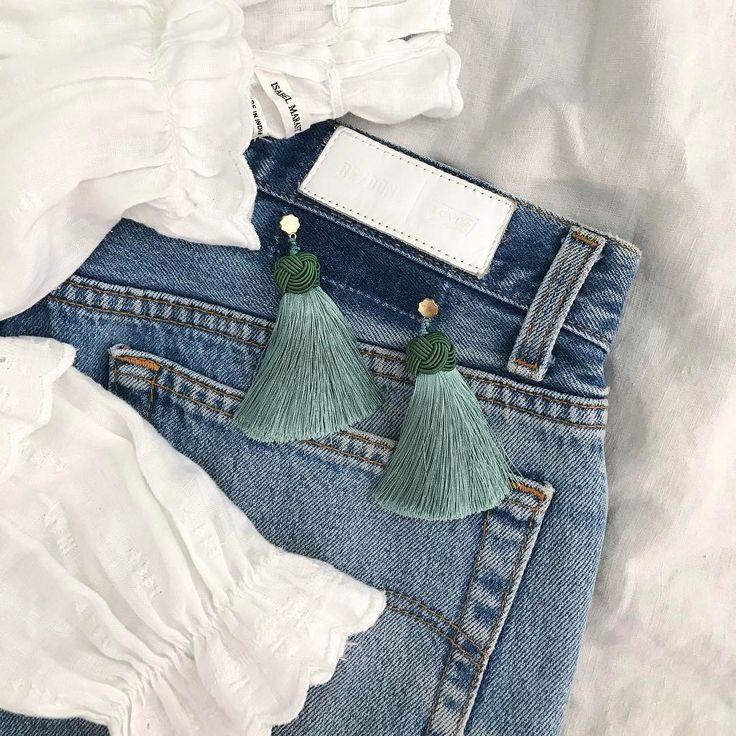 weekend uniform: white peasant blouse + vintage denim + sage topknots ✨✨ #justaddhartearrings #isabelmarant #myredones #vintagelevis #weekendoutfit  #Regram via @hart_studio