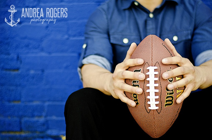 #senior portraits #football I kinda want a picture like this but with my poms !! #cheerleading