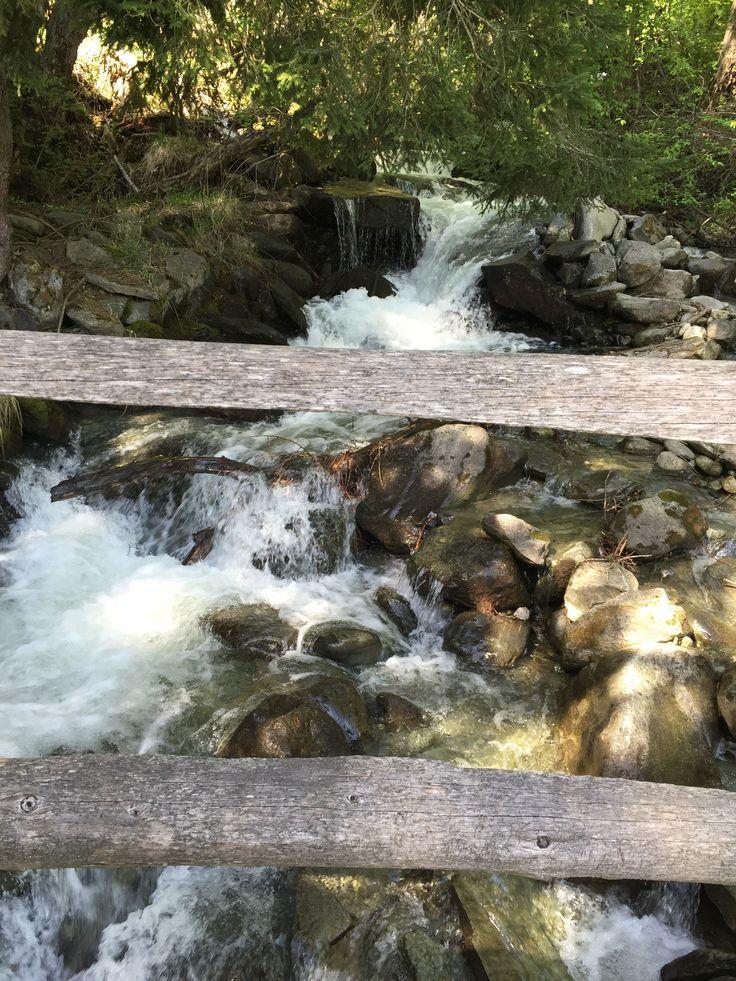 Water feature...  Walk on the Frauen Zitatenweg, Unterbäch