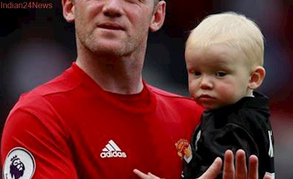 Wayne Rooney may have to leave Manchester United to extend career, says Phil Neville