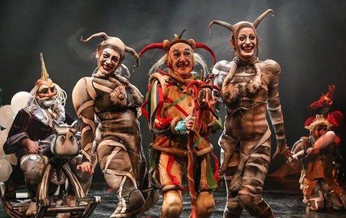 Soytarım Lear | İstanbul'da Sanat Soytarım Lear, 9 Şubat'ta Kadıköy Halk Eğitimde. Shakespeare'in Kral Lear adlı eserinden uyarlanan Soytarım Lear alkışlara doymuyor.  Pangar ve Altıdan Sonra Tiyatro ortak yapımı Soytarım Lear İstanbul Tiyatro Festivali'nin katkılarıyla 2014 Mayıs ayında 19.İstanbul Tiyatro Festivalinde dünya prömiyerini yapmıştı. http://istanbuldasanat.org/soytarim-lear/