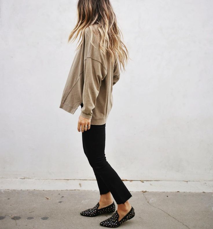 #fall #outfits loose beige blouse black pants