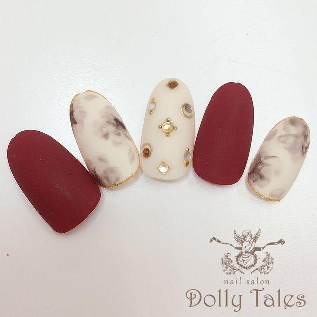 DollyTales_nailさんも使ってるネイルブック。毎日最旬新着ネイル続々♪流行のデザインが丸わかり!